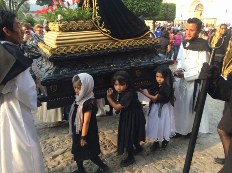 The procession of the niñ@s in Antigua