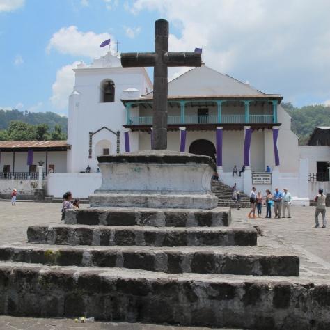La Iglesia de Santiago Atitlan